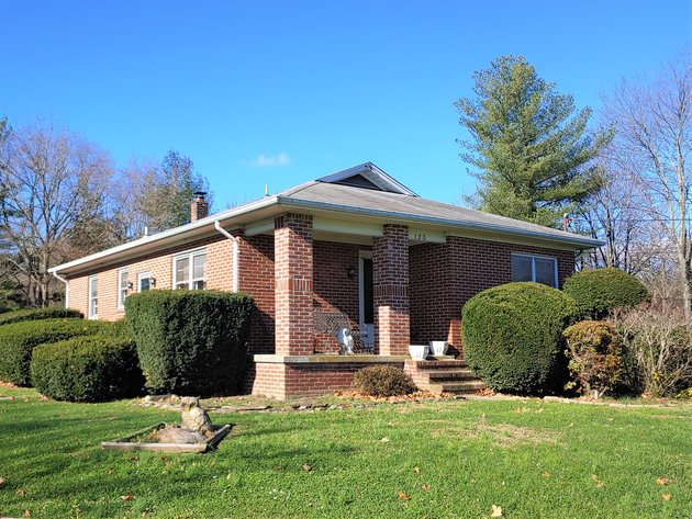ALL BRICK 3 BR HOME W/ DETACHED  2 CAR GARAGE ON 1.03+/- ACRE LOT