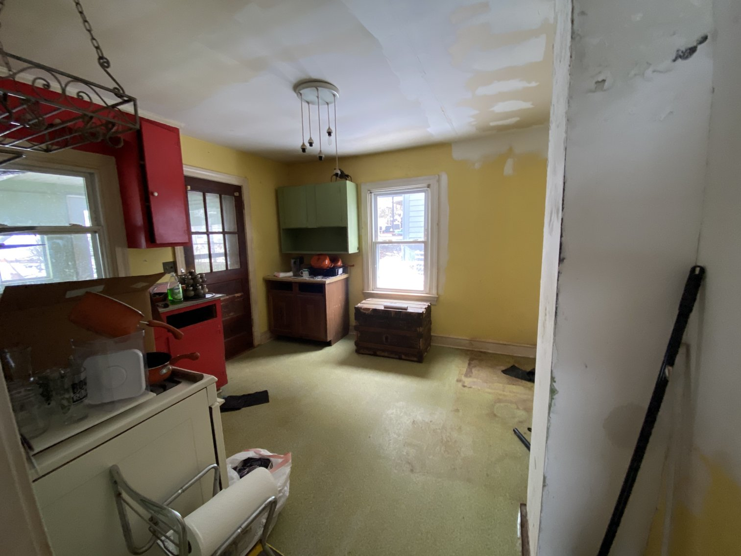 Image for  2 BR/1 BA Investment Property Minutes From UVA, Hospitals & I-64--SELLS to the HIGHEST BIDDER!!