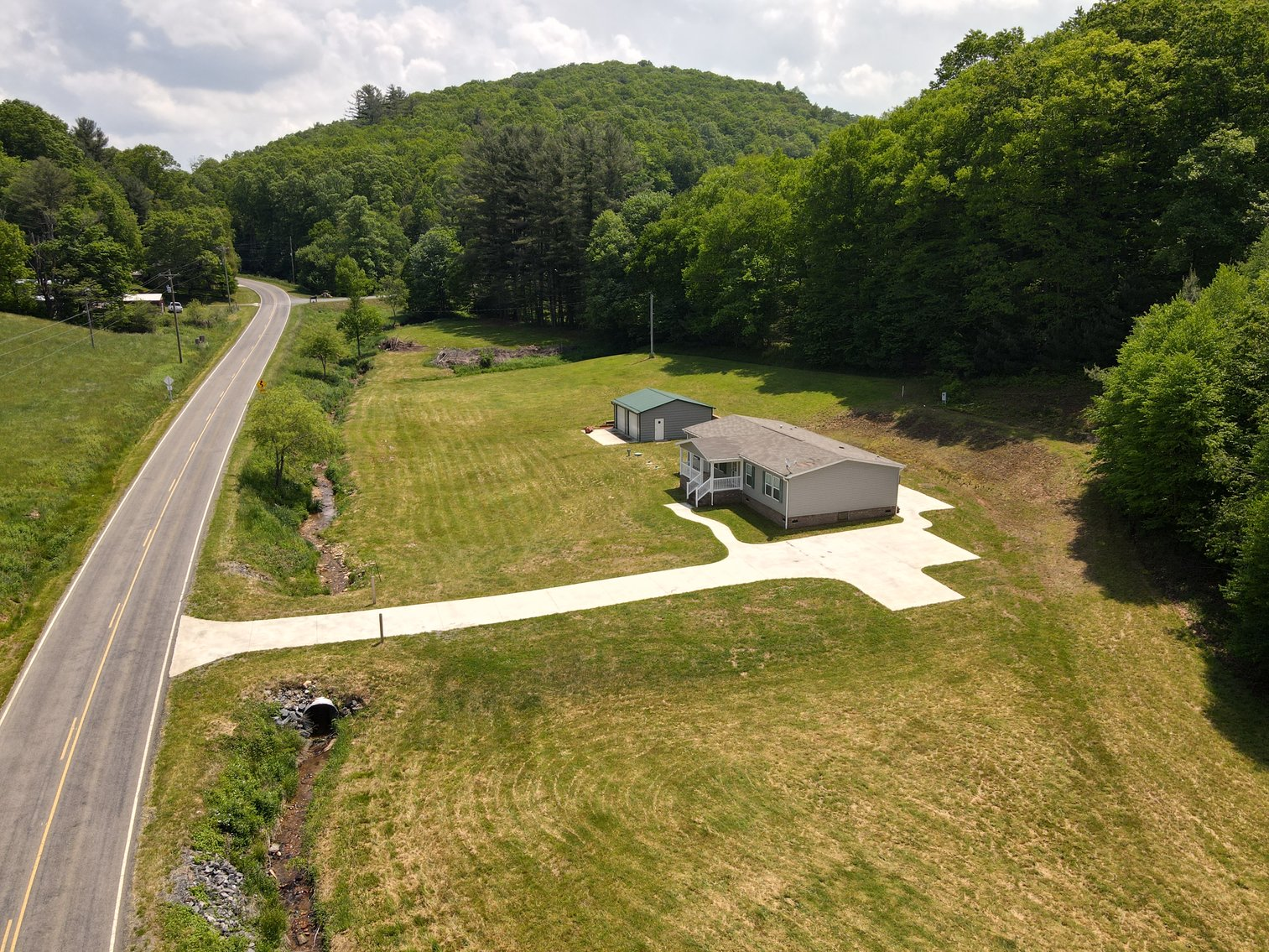 Home and Shop in Ashe County, NC Mountains