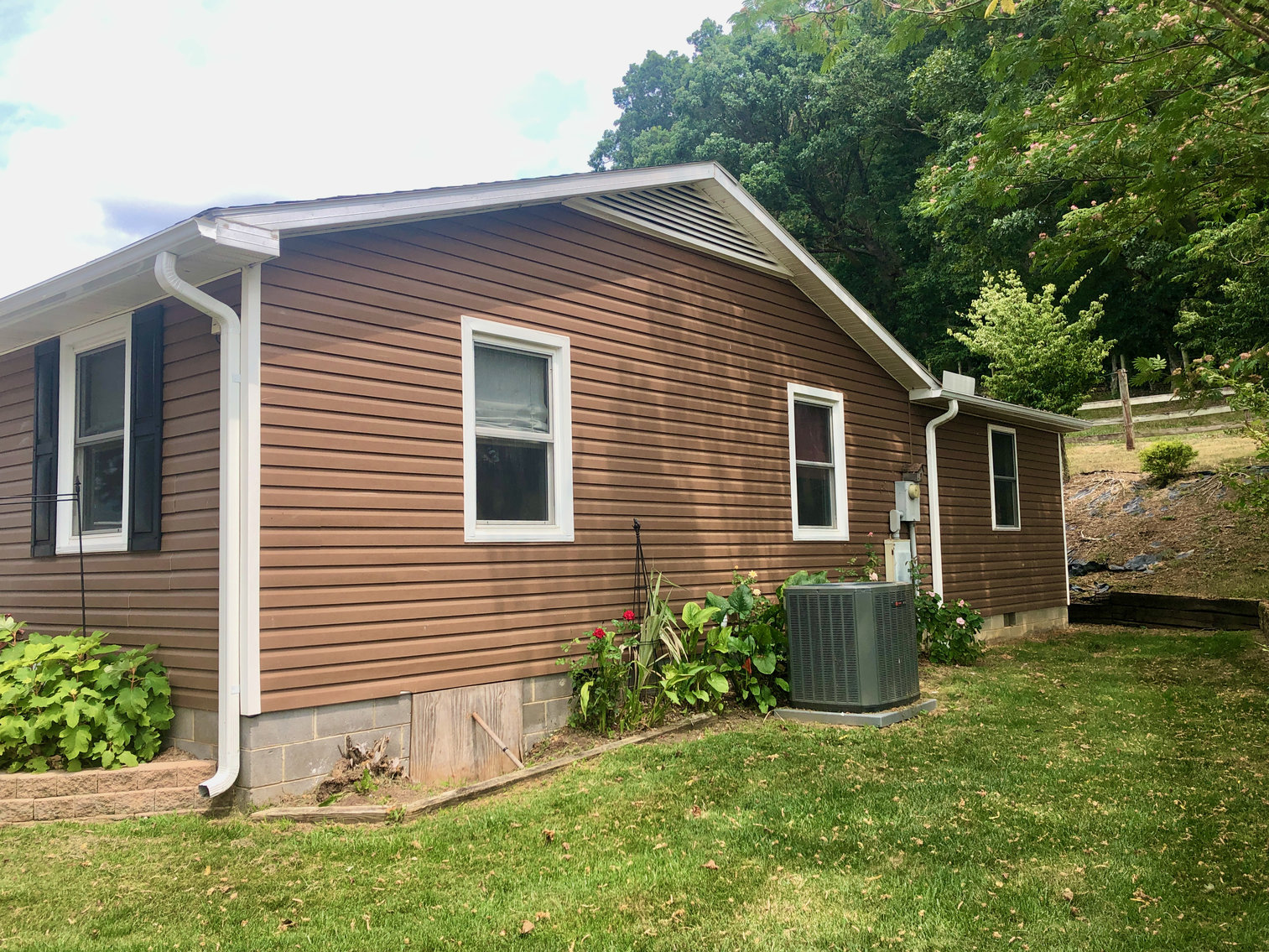 Image for Immaculate 3 BR/2 BA Home on .88 +/- Acre Lot w/Amazing Mountain Views in Rockingham County, VA