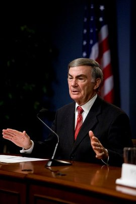 Sam Donaldson Speaks to Conference Attendees