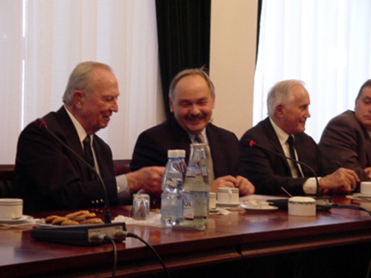 2004 Mission to Poland and Romania: Ambassador Keith L. Brown, H.E. Miroslaw Zielinski and Ambassador Leon Weil in Poland