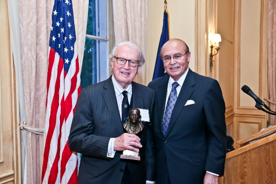 May 6, 2013 Awards Ceremony and Reception: Ambassador William J. vanden Heuvel Receives the Benjamin Franklin Award. Photo credit Tony Powell