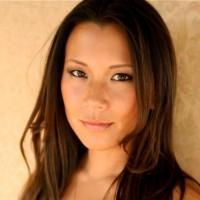 Angela Sun headshot