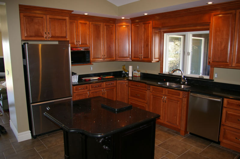 Traditional Cherry Maple Cabinets Granite Counters Black Island With