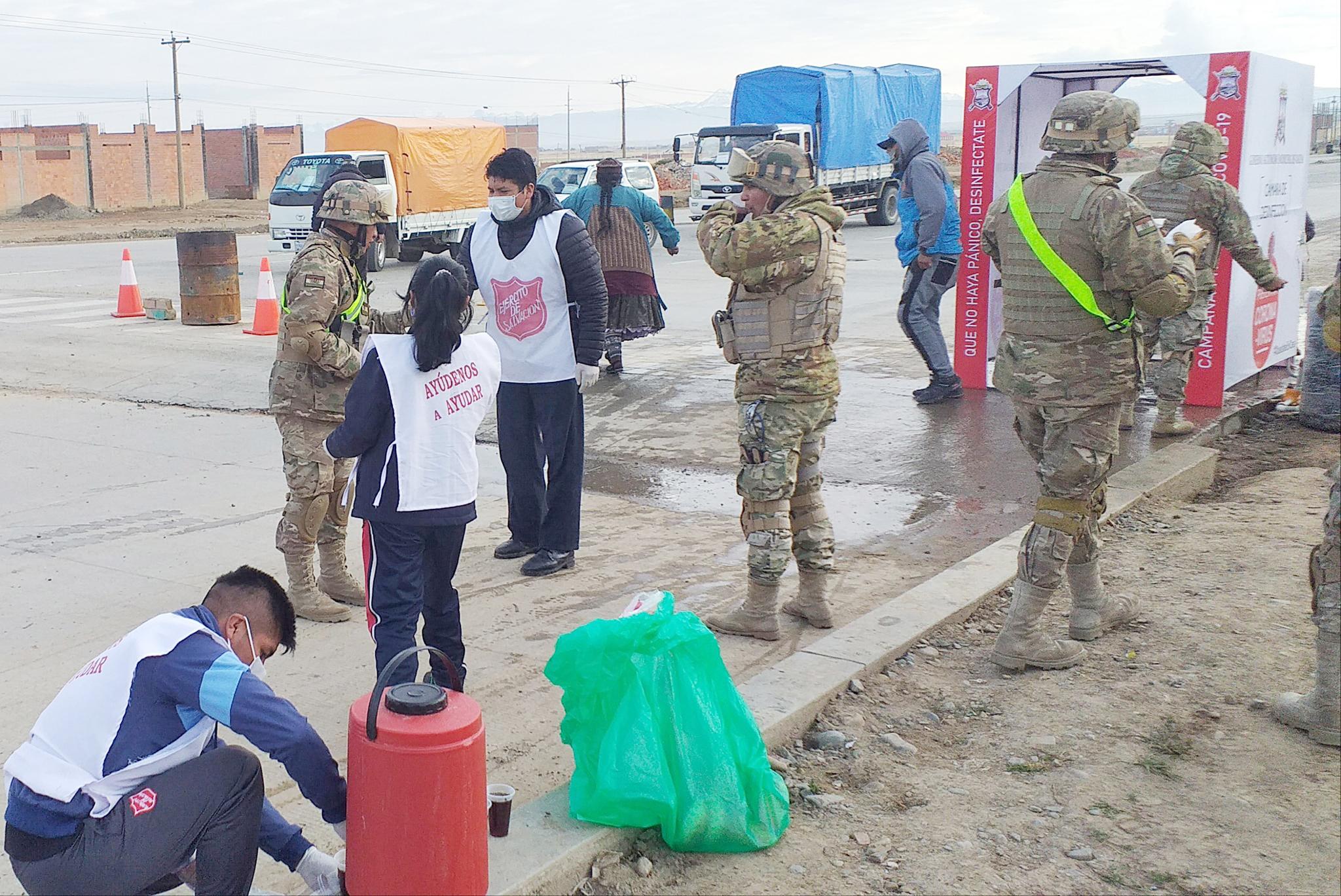 Cuerpo Vilachi serving with the military in La Paz, Bolivia