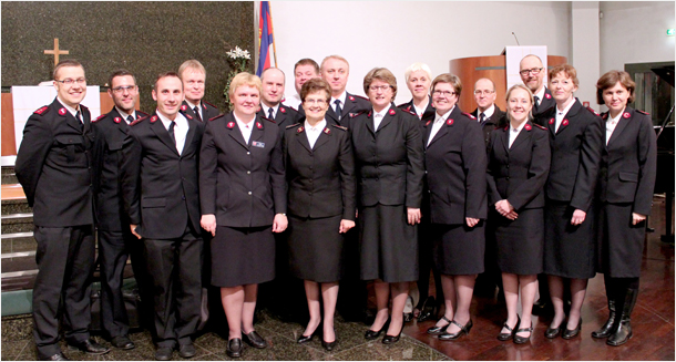 Nordic Leadership Development Institute delegates with General Linda Bond