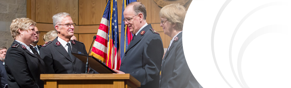 Commissioners Hedgren with the General