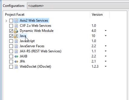 """série de configurações avançadas do projeto. Temos uma coluna com o título """"Project Facet"""" e opções a serem assinaladas, como """"Axis2 Web Services"""", """"CXF 2.x Web Services"""", """"Dynamic Web Module"""" que está assinalado, """"Java"""", também assinalado, """"JavaScitp"""" e """"JavaServer Faces"""". Teremos, ainda, uma segunda coluna intitulada """"Version"""" que apresenta a versão de cada uma das opções disponíveis."""