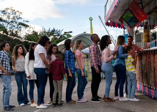 customers waiting in line, keeping your restaurant competitive