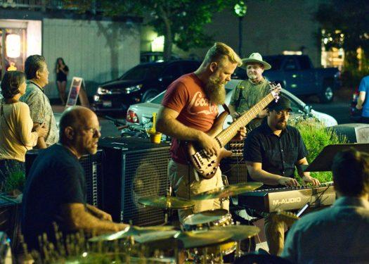 benefits of live music in restaurants