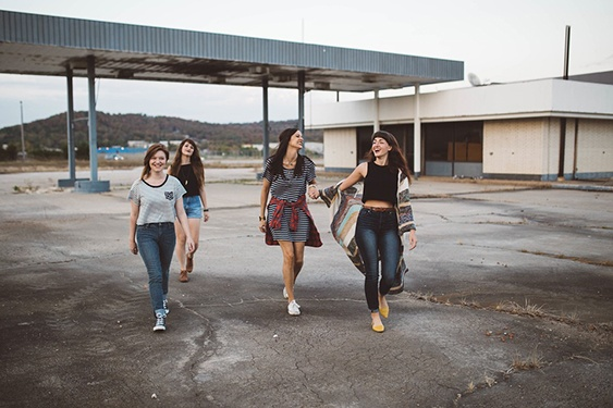 teenage girls develop social skills by spending time with other teenage girls