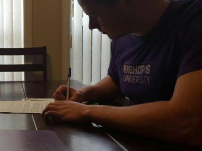 "British Columbia recruit ""keeping dream alive"" at Bishop's (VIDEO)"