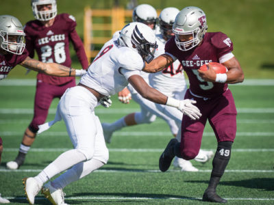 Jackson Bennett (05) of the Ottawa Gee Gees.  USports football action Panda Game between the Carleton Ravens and the uOttawa Gee Gees at TD Place Stadium, in Ottawa, ON, Canada, (Photographed by Marc Bourget/www.marcbourget.ca)