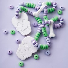 Skull & Bones Candy Necklace Kit (SOLD OUT)