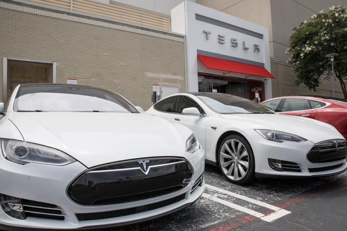 Tesla at Lenox Square