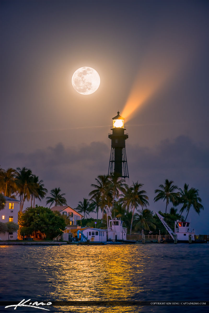 Full Moon Rise Pompano Beach at Lighthouse Cove