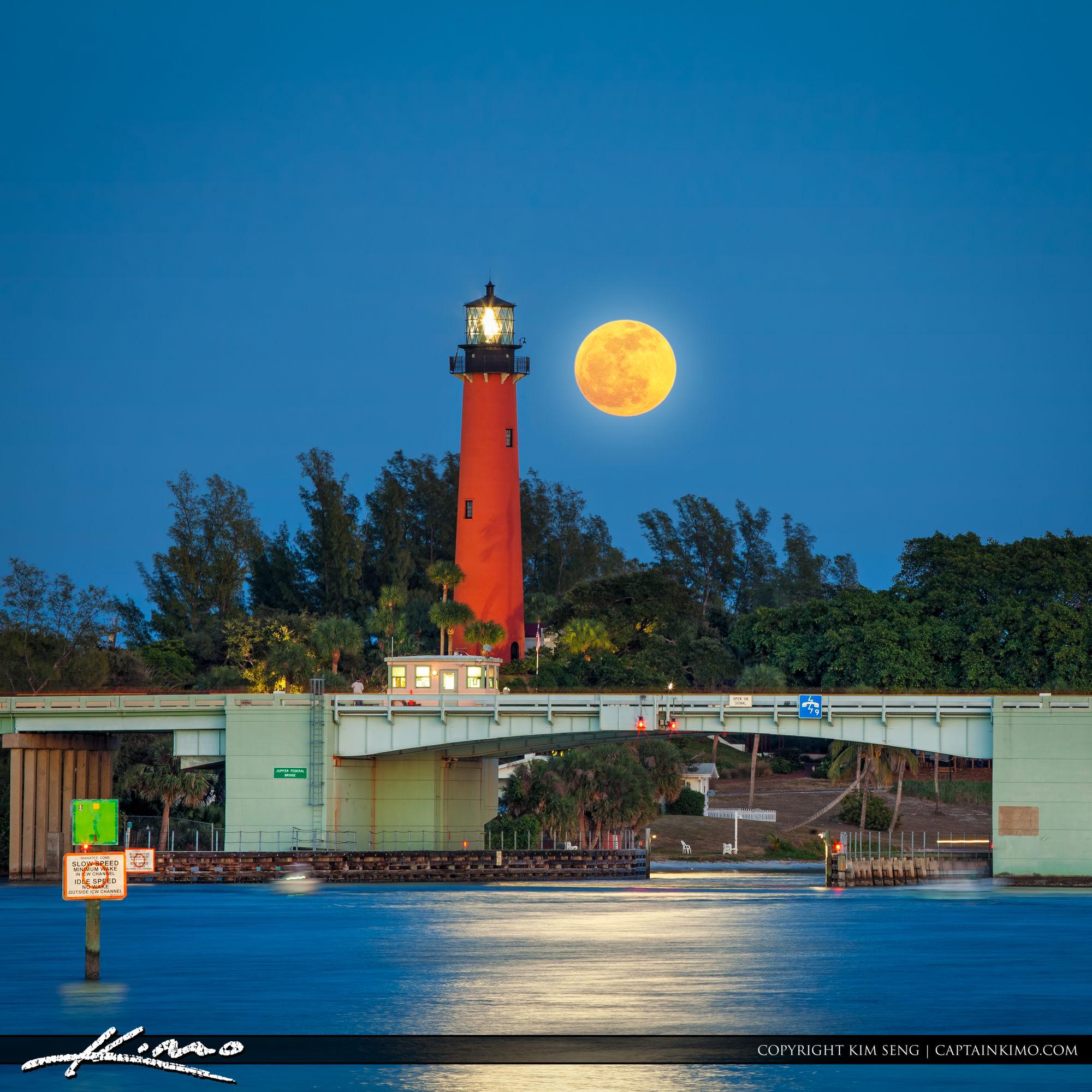 Jupiter Lighthouse Full Moon Rising