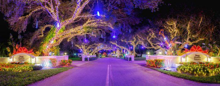 Snug Harbor Christmas Lights 2016