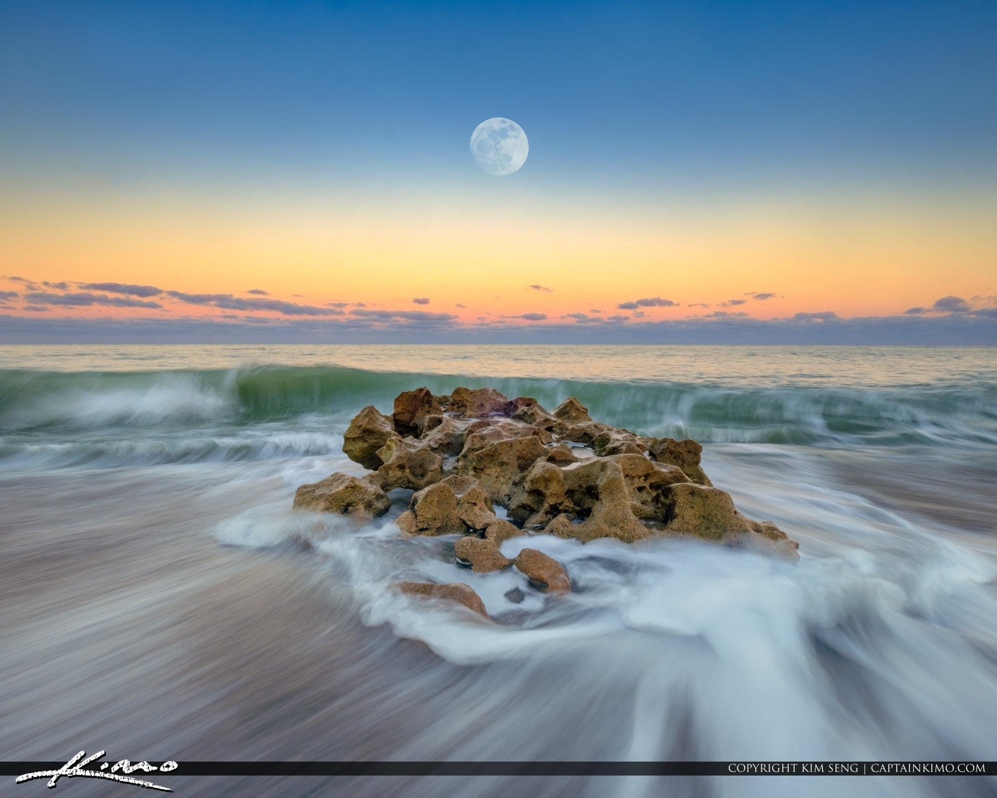 Coral Cove Park Last Moon Rise 2017