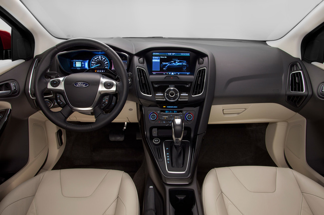 2015-ford-focus-sedan-interior