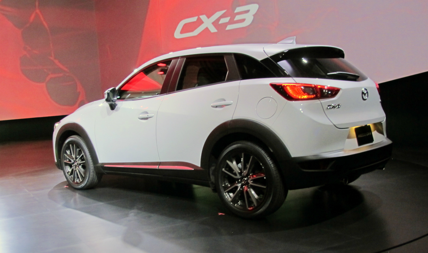 Mazda-CX-3-reveal-rear