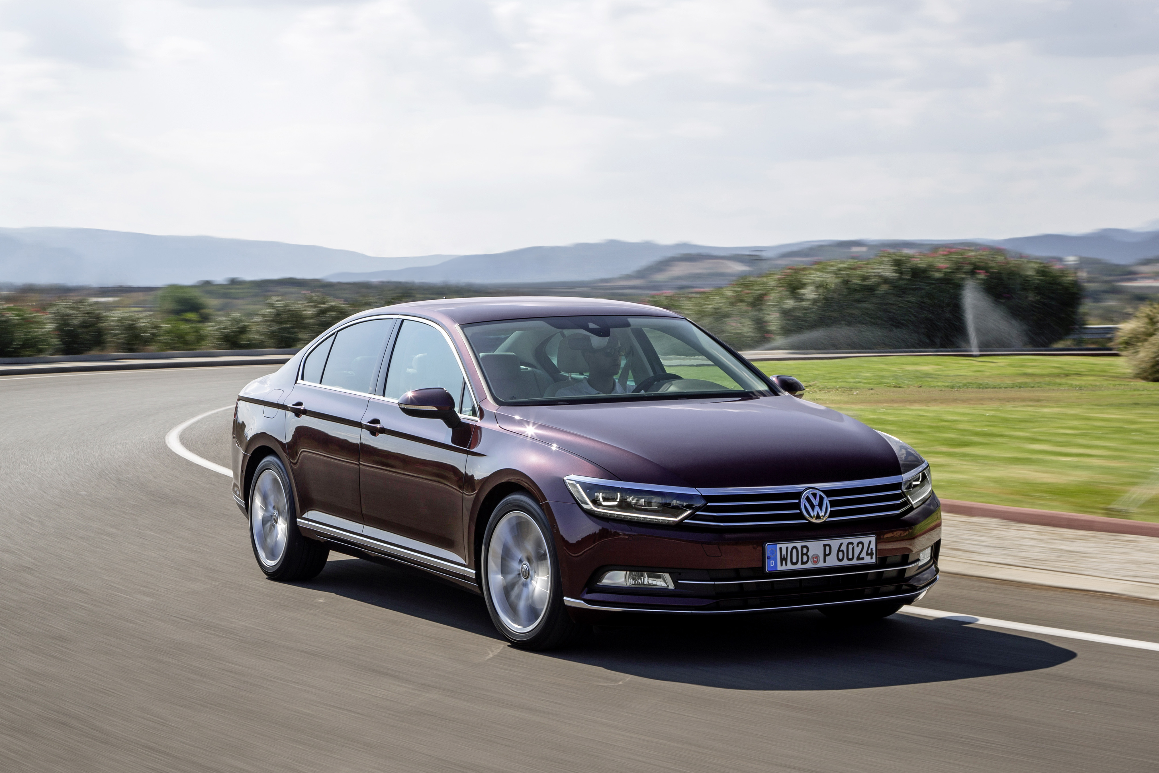 2015-volkswagen-passat-b8-in-crimson-red-metallic-looks-stunning_7