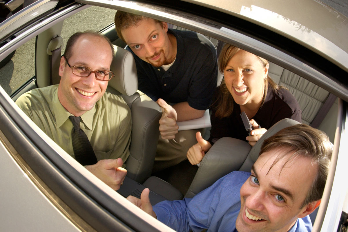 Steals-on-wheels-121003-sunroofs-thinkstock-78029074