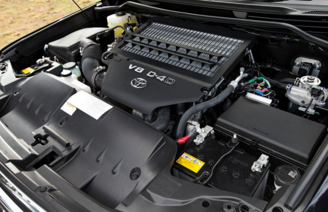 Land Cruiser 2016 Engine