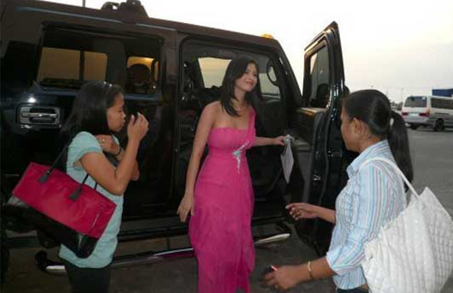 Locsin and Her Hummer
