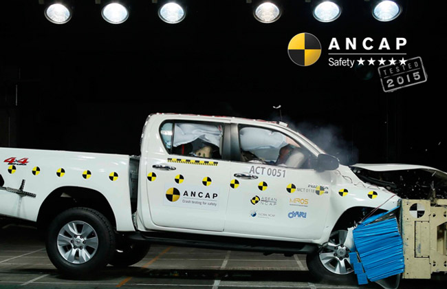 Hilux Crash Test