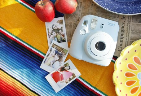 cheap fujifilm instax camera