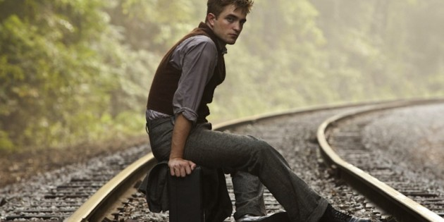 robert_pattinson_on_rail_track-wallpaper-1024x768