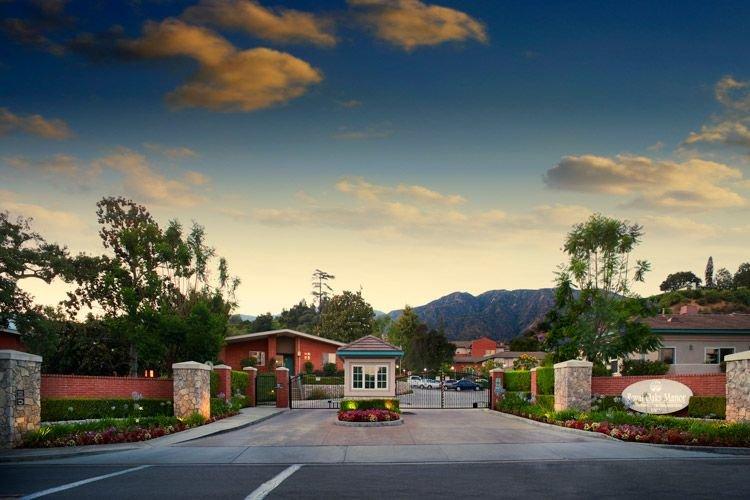 Royal Oaks Bradbury Continuing Care Retirement Community