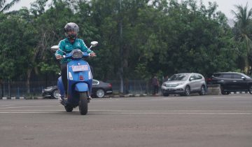 Test Ride Vespa Sprint S