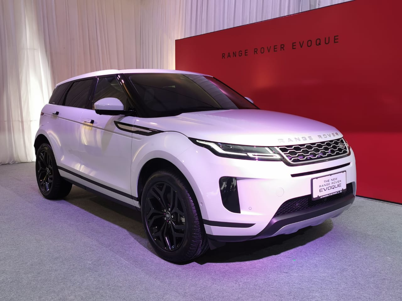 Review Range Rover Evoque Carmudi Indonesia