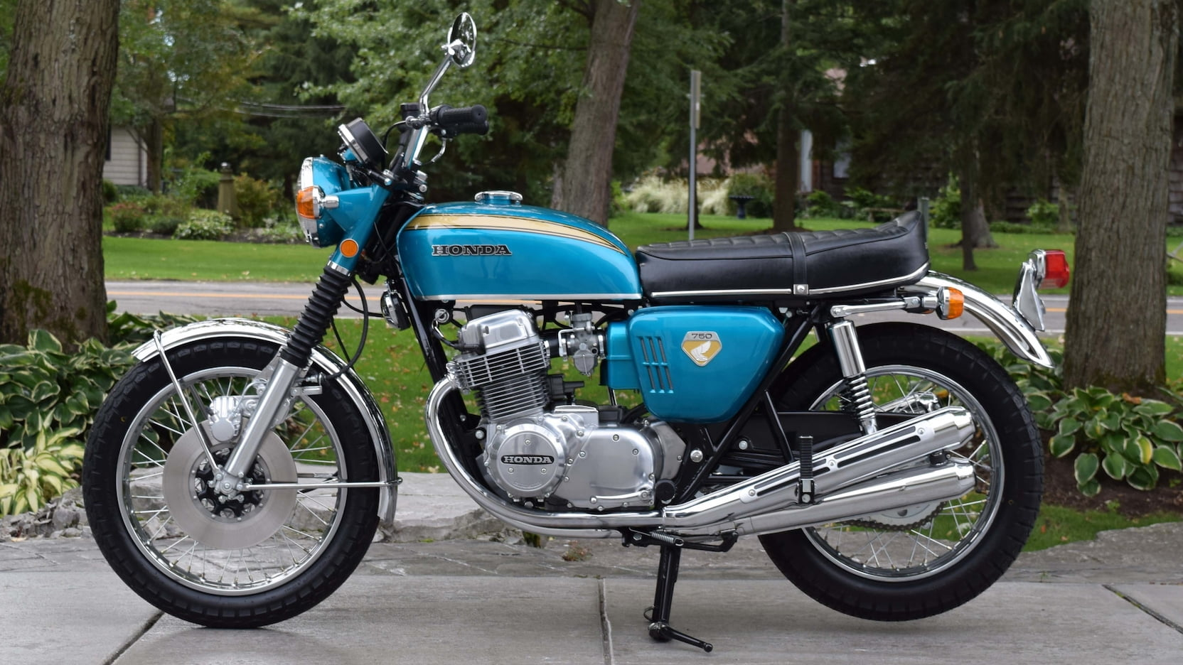 Honda CB750 1968 biru, photo: Mecum Auction