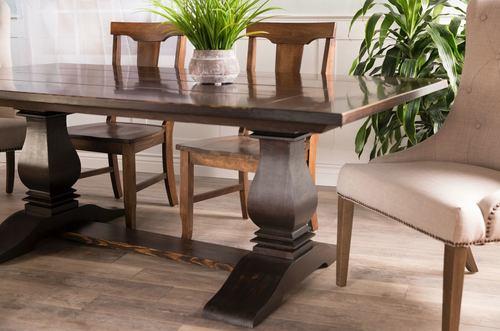 Heirloom Pedestal Table
