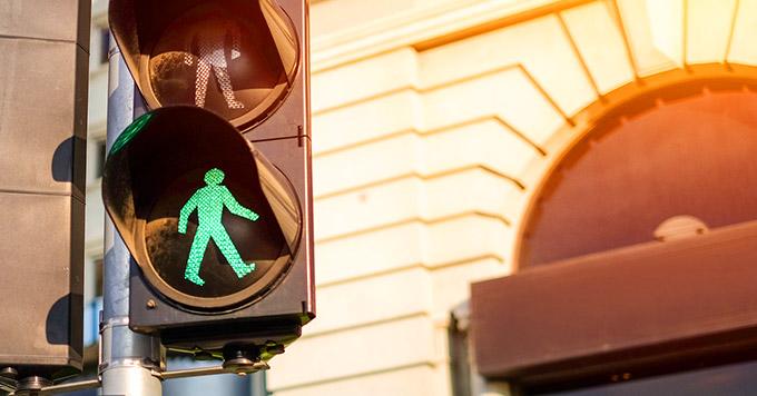Multa para pedestres e ciclistas começa a valer a partir de março