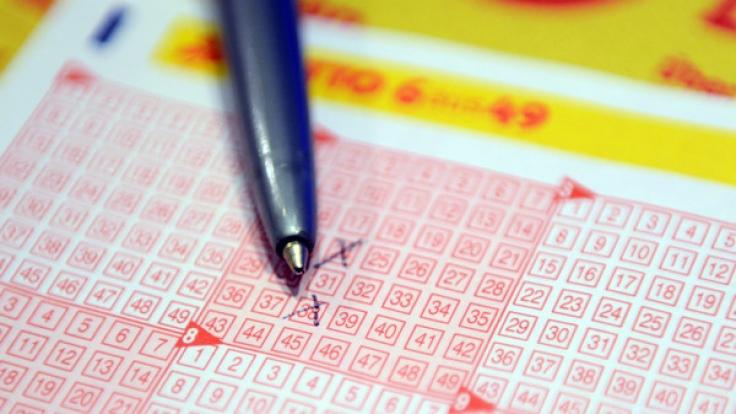 LOTTO 6aus Live-Ziehung der Lottozahlen