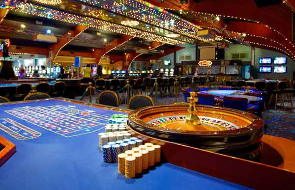 What to Expect on Cruise Ship Casinos - USA Online Casino