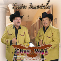 Éxitos inmortales by Chuy Vega