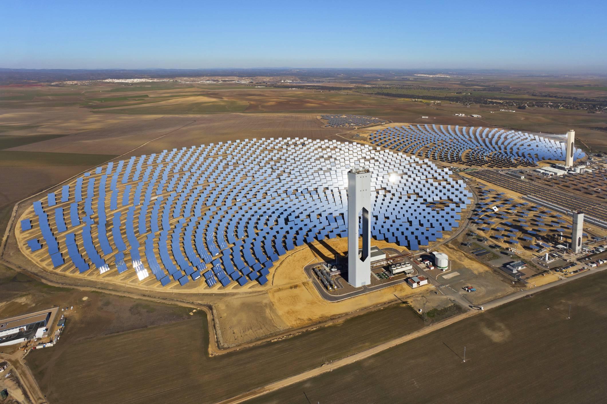"""Résultat de recherche d'images pour """"saudi arabia solar power photo"""""""