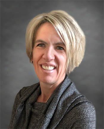 Headshot of Leslie  McLaughlin