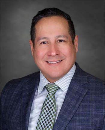 Headshot of Pedro Torres