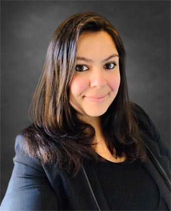 Headshot of Elizabeth Esparza