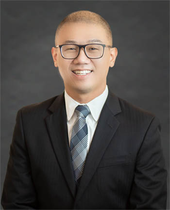 Headshot of James Kim
