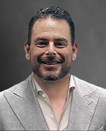 Headshot of Tom  Hengels