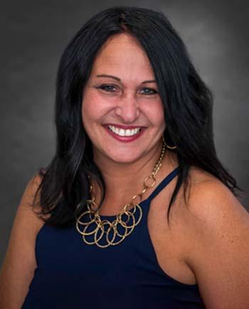 Headshot of Jennifer Ganshaw
