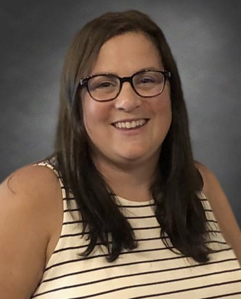 Headshot of Dina Lepczynski
